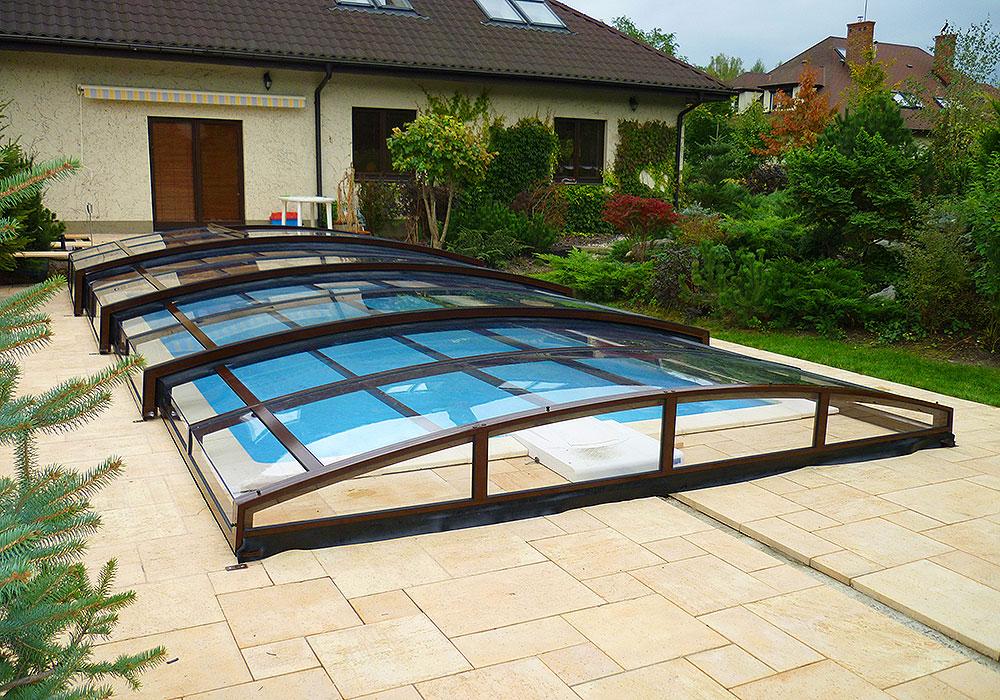 flache poolabdeckung ohne schienen schwimmbad und saunen. Black Bedroom Furniture Sets. Home Design Ideas
