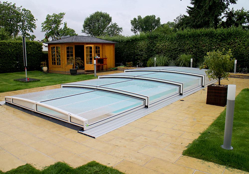 schwimmbad berdachung modell dinghy flach exklusiv alutherm deutschland gmbh On schwimmbadüberdachung